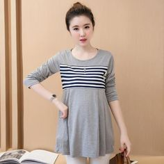 Loose Striped Casual Maternity Top  Department Name: Maternity Tops Type: Tees Collar: O-Neck Pattern Type: Striped Material: Cotton Maternity clothes Sleeve: 3/4 Length Sleeve Maternity clothes Waist type: Middle-waisted  #nochillbanana #maternity #pregnancy #tops #maternitytops #bump #bellybump #dressthebump #clothing #2018 #trending #goodvibes #awesome #design #fashion #girlboss #instagram #mom #momtobe #outfitinspo #comfortable #nursingtop