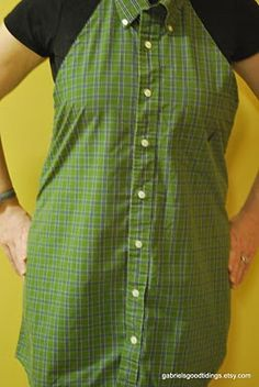 FREE Pattern/Tutorial to repurpose a Men's Dress Shirt into an apron.  No pdfs to download, simply follow the directions.  LOTS of photos to help along the way.