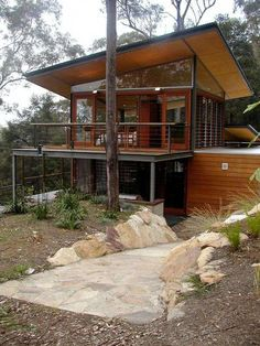The Bowen Mountain house has been designed by CplusC Architecture in New South Wales, Australia. The home was originally conceived to be a simple weekend getaway home, but the pavilion house grew into something much Architecture Design, Container Architecture, Sustainable Architecture, Modern Small House Design, Casas Containers, Container House Design, Shipping Container Homes, Shipping Containers, Home Fashion