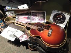 Gibson J-200. http://www2.gibson.com/Products/Acoustic-Instruments/Super-Jumbo/Gibson-Acoustic/SJ-200-Standard.aspx