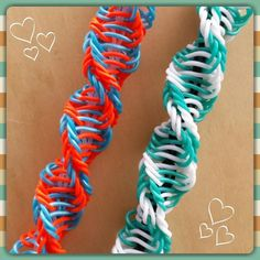"Check the way to make a special photo charms, and add it into your Pandora bracelets. ""Helicoid"" Rainbow Loom Bracelet/How To Tutorial Rainbow Loom Bracelets Easy, Loom Band Bracelets, Rainbow Loom Tutorials, Rainbow Loom Patterns, Rainbow Loom Creations, Rainbow Loom Charms, Rubber Band Bracelet, Diy Bracelet, Beaded Bracelets"