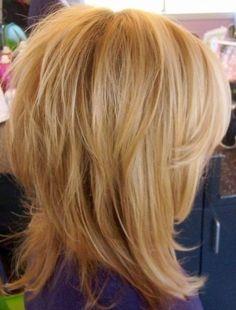 medium shag haircut for fine hair Click the image now for more info. Medium Layered Haircuts, Medium Hair Cuts, Medium Hair Styles, Short Hair Styles, Haircut Medium, Haircut Bob, Volume Haircut, Haircut Styles, Corte Shaggy