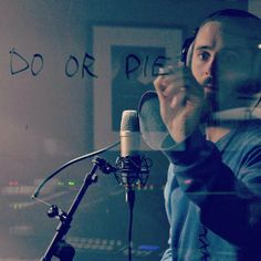 30 Seconds to Mars: ;DO OR die