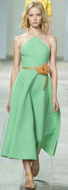 Michael Kors spring/summer 2015 collection - New York fashion week Michael Kors 2015, Michael Kors Outlet, Michael Kors Collection, Handbags Michael Kors, Mk Handbags, Fashion Handbags, Fashion Week, New York Fashion, Runway Fashion
