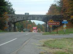 Hillsville, VA : Bridge to the Blue Ridge Parkway