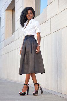 White Shirt x Pleated Skirt