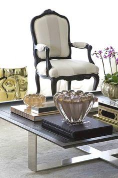 Un nostálgico sala de estar mesa vintage sofá mesa Antik Weiss mesa auxiliar de madera