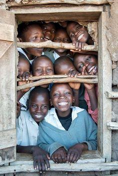 (*) Niños de una escuela en Africa