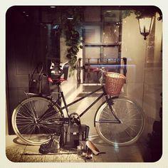 #bici #bike #shopping #belosophy #vidriera #shop window