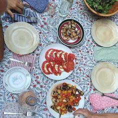 """383 likerklikk, 12 kommentarer – Pilar Guzmán (@pilar_guzman) på Instagram: """"Sunday night extended family dinner #summerinbrooklyn"""""""