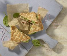Our chicken, pesto and red pepper thins are a tasty and fun twist on the chicken sandwich. Easy to prepare and a great lunchbox filler Chicken Potatoes, Pesto Chicken, Chicken Broccoli, Potato Sandwich, Chicken Sandwich, Baby Food Recipes, Salad Recipes, Snack Recipes, Snacks