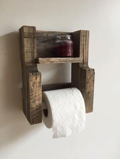 DIY - Pallet Furniture Toilet Paper Holder Reclaimed Wood Bathroom Furniture Wall Shelf Rustic Home Decor by BandVRusticDesigns on Etsy Reclaimed Wood Furniture, Diy Pallet Furniture, Rustic Furniture, Bathroom Furniture, Furniture Ideas, Pallet Bathroom, Bathroom Ideas, Pallet Home Decor, Bathroom Crafts
