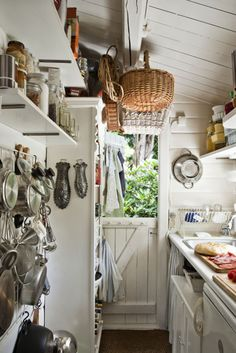 A tiny kitchen for my tiny cottage! Cabin Kitchens, Cottage Kitchens, Tiny Kitchens, Modern Kitchens, Black Kitchens, Kitchen Dining, Kitchen Decor, Kitchen Ideas, Cozy Kitchen