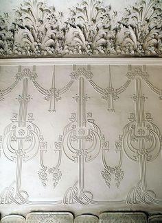 Barcelona - Rosselló 207 g Art Nouveau Architecture, Art And Architecture, Peacock Wallpaper, Vienna Secession, Art Nouveau Design, Textile Design, Painted Furniture, Floral Arrangements, Pattern Design