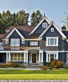 Welcome to the Pinterest house of your dreams! This navy house is where many Pinterest users envision themselves.