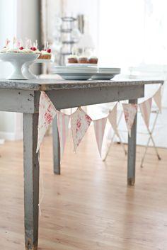 cloth banner - decor ideas for baby shower (Ezra) #babyshower #babyshowerdecor