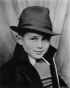 Little James Dean  (adorable)
