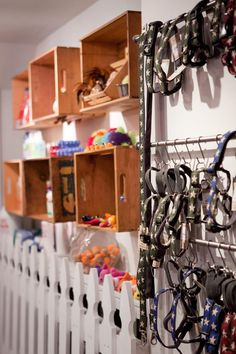 Great idea for retail and/or closet organizing!