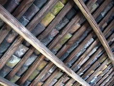 clay tile roof Shed Images, Clay Roof Tiles, Saw Wood, Design Art, Design Ideas, Light Art, Carving, Texture, Green