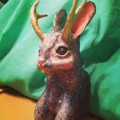 Jamie Gray is getting snazzy with her Jackalope. :D Nice work!