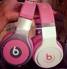 Check out Nicki Minaj new Pink Beats By Dre Headphones. Apple Tv, Apple Watch, Cute Headphones, Beats Headphones, Sports Headphones, Wireless Headphones, Bluetooth, Pink Love, Pretty In Pink