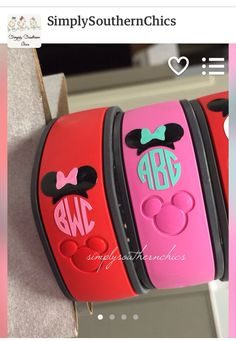 How cute are these! Personalize your Disney Magic Bands with stylish monograming! You can buy these for your next trip on Etsy