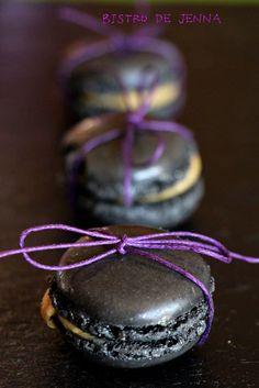 Macarons cassis- violette  Picture///Jenna Maksymiuk