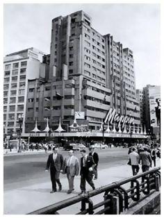 Mappin, em 1960, decorado para comemorar a inauguração de Brasília. pic.twitter.com/iUZva90H5z