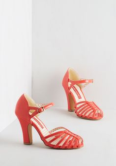 Sunporch Serenade Heel in Poppy. Simultaneously steeping your morning tea as you mosey toward the sunroom, you notice the click of these glossy heels creating a beat beneath the birds song. #red #modcloth
