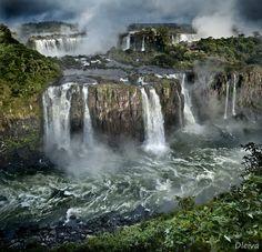 Iguazu Falls (Argentina - Brasil) by Domingo Leiva, via 500px