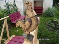 Петушок...Really cool rooster made from log wood slices!..Inspiration!