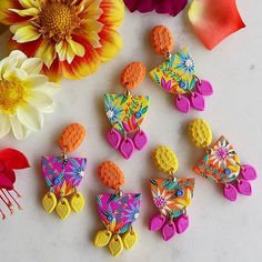 Polymer Clay Projects, Polymer Clay Crafts, Handmade Polymer Clay, Polymer Clay Jewelry, Polymer Clay Embroidery, Diy Clay Earrings, Biscuit, Polymer Clay Flowers, Clay Design