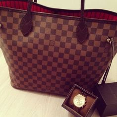 Styling Tips Outlet, It Is Your Best Chance To Purchase Your Dreamy LV Handbags Here! The More Attention You Pay To Louis Vuitton Bags, The More Information You Can Get. Lv Handbags, Louis Vuitton Handbags, Fashion Handbags, Fashion Bags, Louis Vuitton Damier, Vuitton Neverfull, Vuitton Bag, Designer Handbags, Hi Fashion