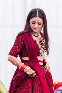 Indian Bridal Outfits, Indian Bridal Lehenga, Indian Bridal Fashion, Indian Bridal Wear, Indian Designer Outfits, Indian Wedding Bride, Bridal Mehndi, Pakistani Bridal, Indian Wear