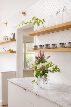 Beautiful open shelving concept in this herringbone kitchen Design by Bunker Worshop LINCOLN KITCHEN Open Shelving, Contemporary Kitchen, Kitchen Remodel, Open Kitchen Shelves, Kitchen Countertops, Home Decor Kitchen, Interior Design Kitchen, Kitchen Style, White Kitchen Backsplash