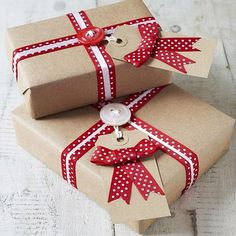Christmas presents wrapping @ Tvoy Designer Blog #Christmas #presents #wrapping #Newyear #present #decoration