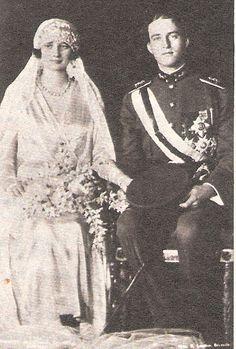 Mariage le 10 novembre 1926 à Bruxelles , en l'église Sainte-Gudule Astrid de Suède et de Léopold, duc de Brabant. ( dans le magazine Point de vie image du monde N°1726 août 1981 page 16.)