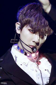 is htis chanyeol or baekhyun>>>??