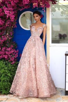 Wedding Dress Fashion- Italy Venice Fashion Wedding Dress Lace Gown And Sleeves New 2019 - Page 15 of 43 - eeasyknitting. Outdoor Wedding Dress, Fall Wedding Dresses, Wedding Dress Styles, Designer Wedding Dresses, Gown Wedding, Lace Wedding, Evening Gowns Couture, Wedding Week, Summer Wedding