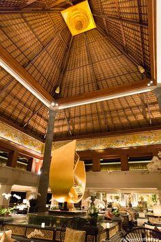 Loved it there!!! Lobby im InterContinental Resort Bali