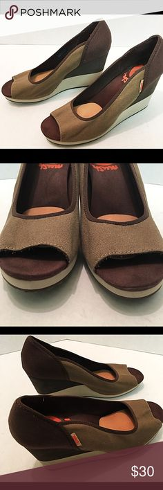 Teva Women's Mush Promenade Wedge Sandal 10 Teva Women's Mush Promenade.  These are brown and tan wedge heels.  These are in excellent used condition.  Canvas upper with foam rubber wedge and sole.  Size of 10. Teva Shoes Wedges