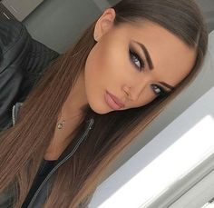 Excellent beauty tips info are readily available on our site. Check it out and you wont be sorry you did. Beauty Makeup, Hair Makeup, Hair Beauty, Portrait Photos, Estilo Jenner, Blonde Wig, Brunette Beauty, Light Brown Hair, Wigs For Black Women