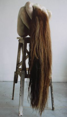 Berlinde de Bruyckere--Inge  2001 Sculptures Céramiques, Art Sculpture, Contemporary Sculpture, Contemporary Art, Hair Art, Installation Art, Figurative Art, Textile Art, Art Dolls