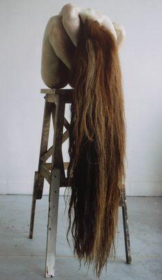 Berlinde de Bruyckere--Inge  2001 Sculptures Céramiques, Art Sculpture, Contemporary Sculpture, Contemporary Art, Hair Art, Installation Art, Figurative Art, Textile Art, Les Oeuvres