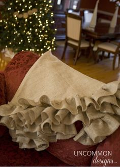 Excellent Tutorial For No Sew Burlap Tree Skirt!!