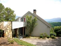Rose Mountain - 2 BR, 2 BA modern chalet with a panoramic view of the Great Smoky Mountains in Gatlinburg, TN