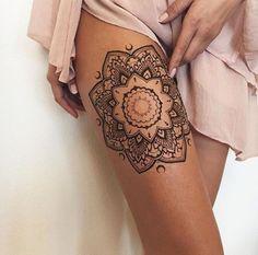 10 idées de tatouages pour les jambes - Les Éclaireuses