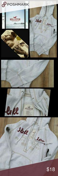 HOLLISTER HOODIE Pre-loved zip up hollister hoodie size MED Hollister Tops Sweatshirts & Hoodies