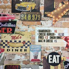 Iconic American diner design from Arthouse. This is a fantasitc looking heavy weight retro wallpaper featuring classic images from the USA 1950's era.