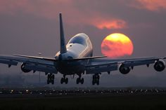 Boeing 747 Sunrise at Schiphol Airbus A380, Boeing 747, Jumbo Jet, Sunset Silhouette, Yacht Boat, Jet Plane, Fighter Aircraft, Power Boats, Luxury Yachts